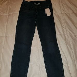 NWT Just Fab Booty Lifting Ankle Grazers